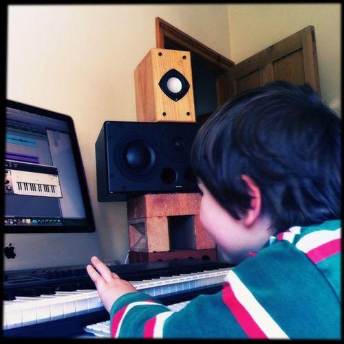 Mix down #miniG recording session #brainfarm_north #Hipstamatic #Foxy #Sugar Hipstamatic Sugar Foxy Minig Brainfarm_north