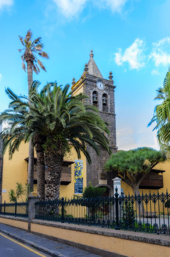 The Cathedral of La Laguna is located in the center of the historic center. Construction began in 1515 and although it was intended as the second parish church of the city, it was in 1819 the rank of cathedral. Travel; Architecture; Canary Islands; Cathedral; Church Square; Alley; City; City Tour; Doors; Downtown; Historic; Holidays; La Laguna; Monastery; Nuestra Señora De Los Remedios; Old Houses; Religion; Rustic; San Cristobal De La Laguna; Spain; Tenerife; T