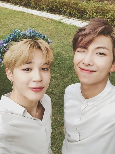 Two of the seven most beautiful souls on the whole universe 💜 BTS Kim Namjoon Namjoon Rap Monster Koya Park Jimin JIMIN CHIM CHIM Bangtanboys Bangtansonyeondan Beyond The Scene Bulletproof Boy Scouts Bts Jimin Bts Rapmonster Btsarmy BTSxARMY Blooming Friend