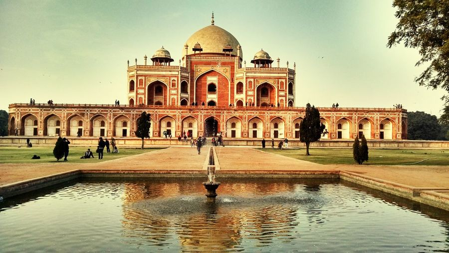 magnificient!!! Worldheritagesite Mughalarchitecture Tomb Weekendtrip Redmarble EyeEmbestshots Urban Filter Humayun's Tomb 43GoldenMoments ColorPalette Eyeemphoto