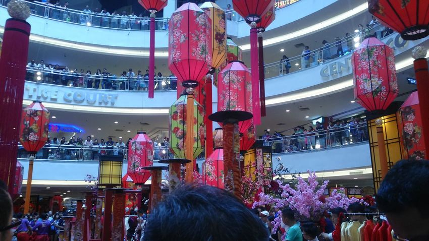 Alot of people waiting for the show of the chinese new year Arts Culture And Entertainment Crowd Large Group Of People Performance People Popular Music Concert Malaysia Chinese Chinese New Year 2017 Chinese New Year Red Cultures Celebration Mall Decorations Decorations Capture The Moment Mid Valley Welcome Weekly EyeEmNewHere Welcome Weekly.