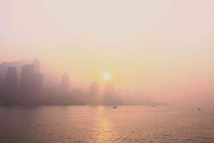 朦朧 ~ 黃昏的維港 Haze