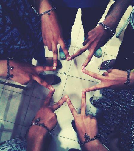 Friendship. ♡   Human Body Part Togetherness Bffs😄