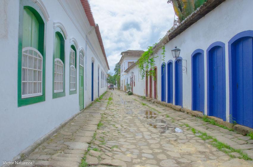 Architecture Fotodocumental Fotografiaderua Documentaryphotography Paraty Vitaonatureza Victornatureza Brazil RJ Brasil Streetphotography Architecture Door Céu