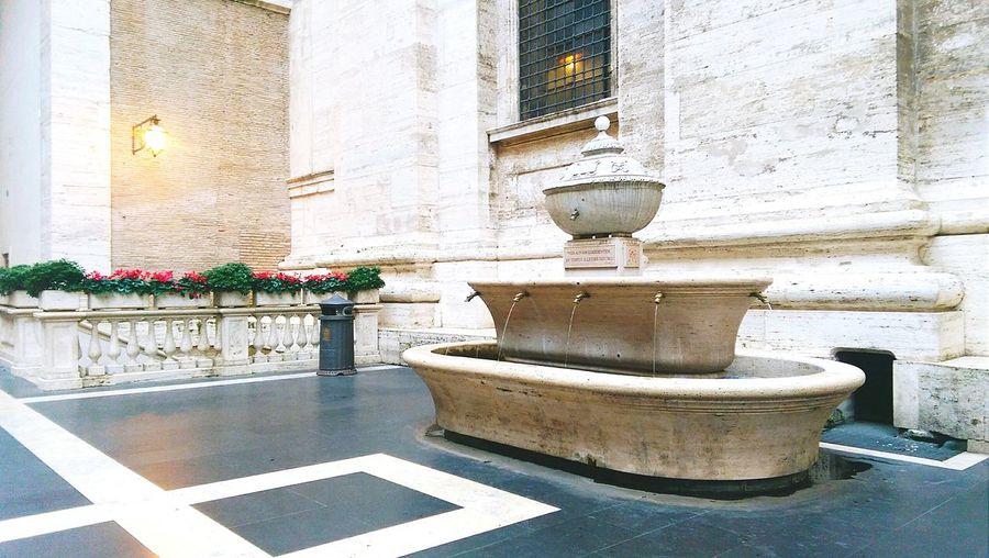 Fontain Taking Photos Fontana Acqua Water Fountain Flowers Sun Monuments Italian Monuments Goodafternoon