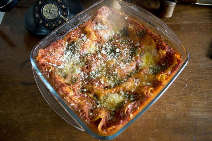 lasagna at the pesto sauce Dish Glass Heat-resistant Pan Lasagna!!!!! Lasagne Pasta Pesto Sauce Pyrex Sauce