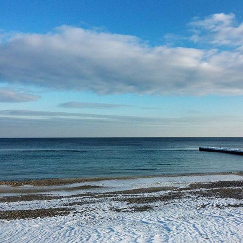 Нам с ним всегда есть о чем поговорить💬 Sea Odessa Sky Bluesky одесса Море уменядажетатупроморе 13станциябольшогофонтана