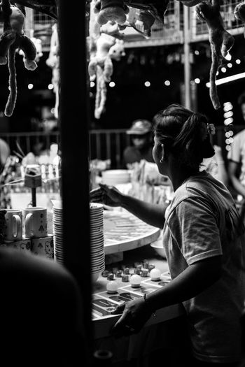 Bet. Streetphoto_bw Streetphotography Bnw_friday_eyeemchallenge Street Bnw Bnw_captures Bnw_life Bnw_collection Bnw_society Bnw_worldwide Bnw_planet #manila #bnw_worldwide #marikina #philippines Occupation Real People One Woman Only Lifestyles One Young Woman Only Women Working Day Young Adult