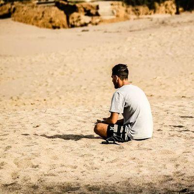 Alone Solo Tinking Pensare osservare guardare