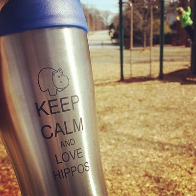 Thanks @mariab601! I'm putting my new thermos to good use at the park. Nannymode Coffeebreak Monkeybars Niceweather
