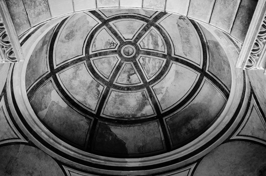 Cupula da capela do castelo Garcia D'Ávila Architectural Design Architectural Feature Architecture Architecture And Art Built Structure Circle Coil Concentric Curve Design Directly Below Geometric Shape High Angle View Indoors  No People Repetition Spiral Stairs Stairs