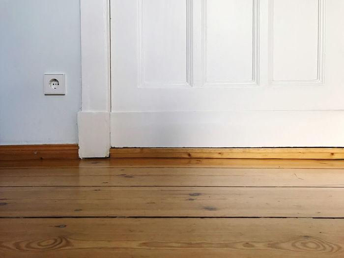 View of white hardwood floor