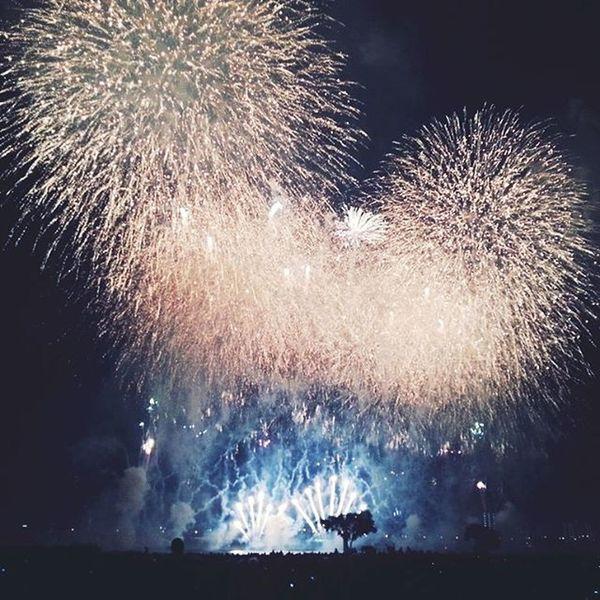 Fireworks from last night in Adachi Beautiful Onefleetingmoment Enjoyitwhileitlasts Japan
