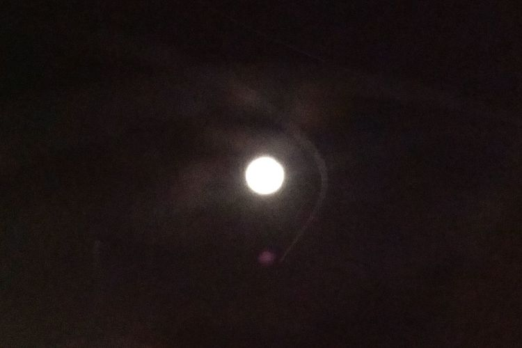Luna Full Moon UFO Ufoporn Alien Sky Vintage Style Jetsons Telling Stories Differently Old Meets New 43 Golden Moments Capture The Moment