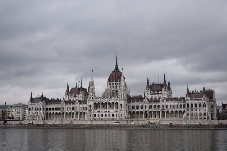 No Edit/no Filter Monument Building Exterior Tourism Parlament Of Hungary Parlament Imperial Building Danubio