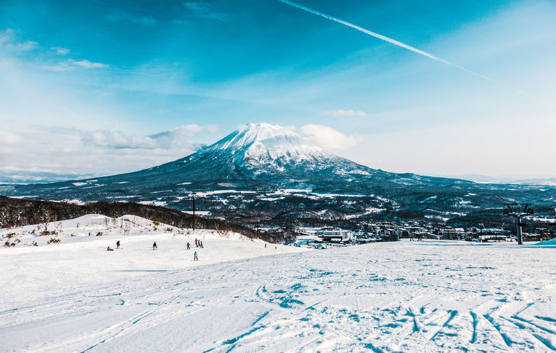 Beauty In Nature Cold Temperature Day Landscape Mountain Mountain Range Nature No People Outdoors Scenics Ski Holiday Sky Snow Snowcapped Mountain Sport Tranquil Scene Tranquility Weather White Color Winter