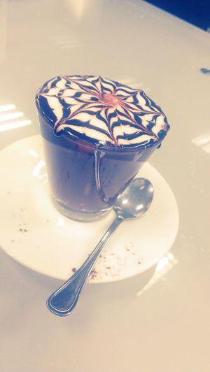 Questa è l'Italia.... Marocchino Coffee Time ...un ottimo caffè con latte e un velo di nutella sul bordo Nutella ♥