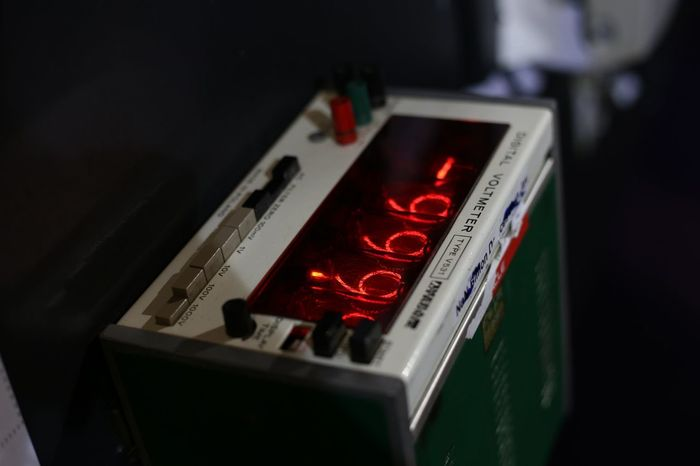 Nixie Tubes Electronics  Voltmeter Reuse