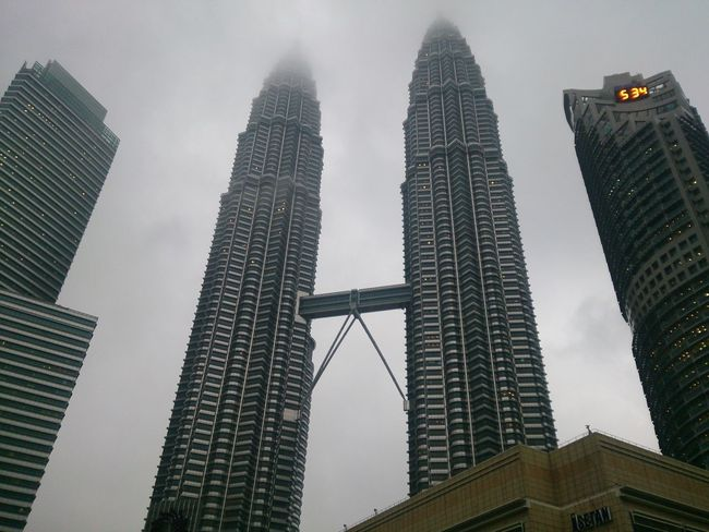 City Skyscraper Landscape Modern High Angle View ASIA Celebration KLCC❤❤ KLCCTwinTower Malaysia Truly Asia Kuala Lumpur Nature Day Sky Downtown District Vacations Palm Tree Outdoors Travel Cityscape Urban Skyline Architecture Travel Destinations Fogging Foggyweather