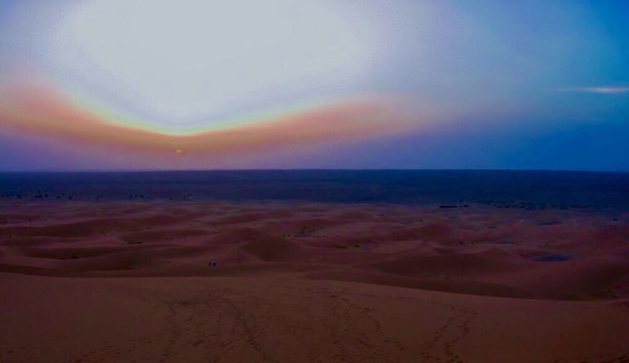 The Great Outdoors - 2016 EyeEm Awards Die Sahara In Ihrem Unverwechselbarem Licht Sunset_collection Sunset Silhouettes The Sahara in their distinctive light Sunset_captures Morocco_travel Morocco MoroccoTrip Marocco Moroccan EyeEm Best Shots
