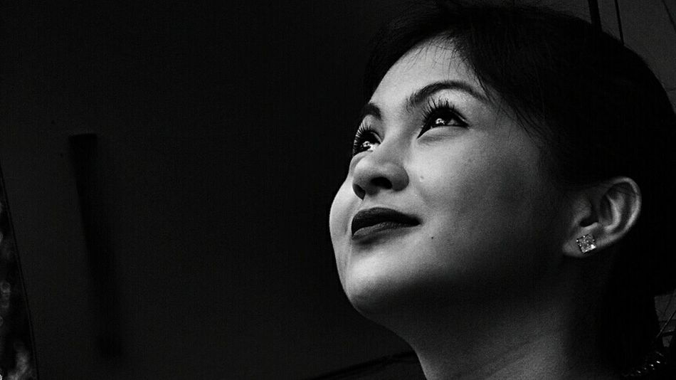Positivity Monochrome Photography Headshot Close-up Beauty People Of EyeEm EyeEmPhilppines EyeEm Best Shots The Week On EyeEm Portrait Of A Woman Portraits Portrait Photography Bnw_life Bnwphotography Black & White