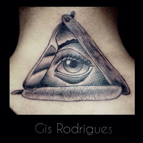 Olho que Tudo Vê ou Olho da Providência... Olhoquetudovê Neotraditionaltattoo Tattoo Tatuariarodrigues