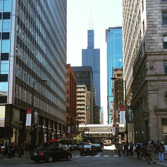 Willis tower Fineafternoon Chicago Chicagotrip Ilovechicago Travelish Travel Streetpic Willistower Nofilter