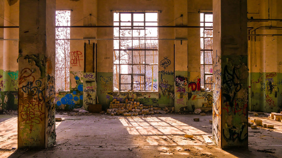 Lost Place, VEB