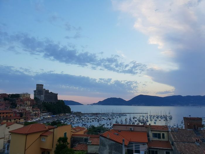 Italy Italia Castello Castle Long Exposure Lerici Laspezia City Cityscape Mountain Urban Skyline Residential Building Community House Sky Architecture Building Exterior TOWNSCAPE Rooftop Town Old Town