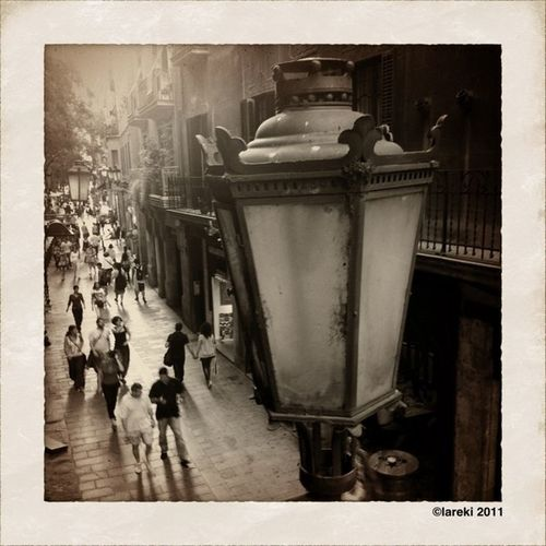 Un fanal de Barcelona - Una farola de Barcelona - A streetlight in Barcelona Streetlight Lareki100likes Curiousbcnpics
