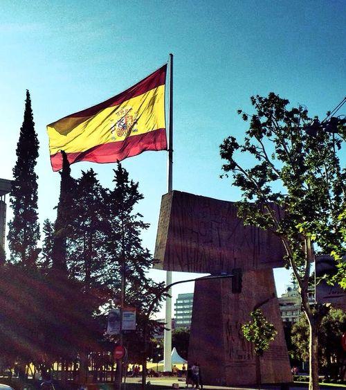 Flag Madrid España Sun Me Around The World Square Europe Taking Photos Eye4photography