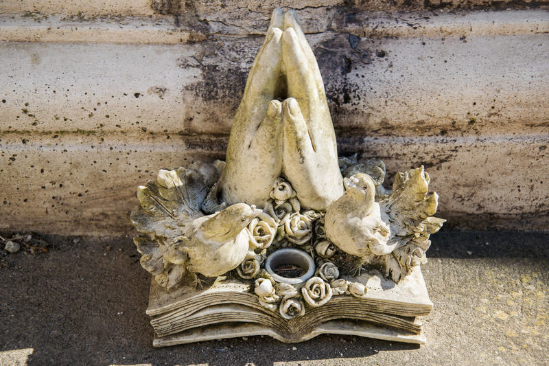Cemetery Photography Mourn No People Praying Praying Hands Sculpture Still Life Stillife Photography Stone Sculpture