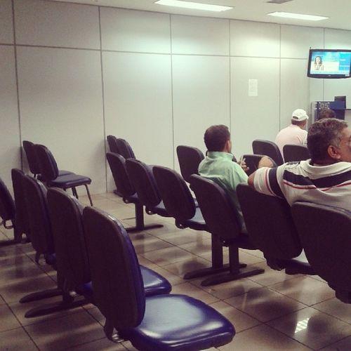 Acreditem!! Cadeiras vagas, ausência de filas e atendimento rápido na agência do BB hoje... MeuDiaDeSorte PassarMenosDaMetadeDeUmDiaNoBanco Ufa Bomdia BB CaxiasMA