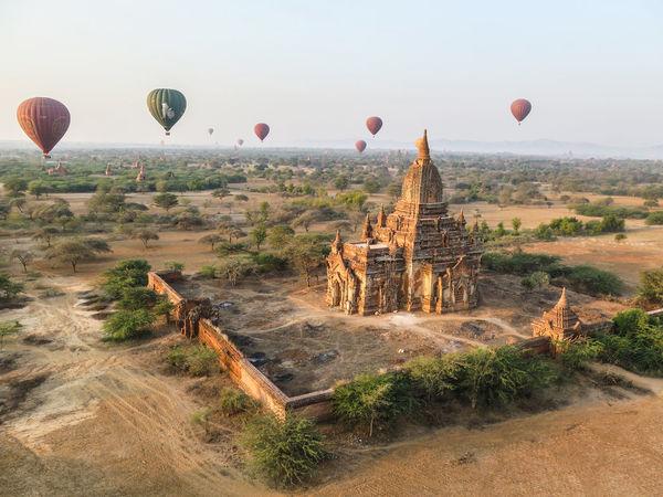 Bagan Beautiful Buda Buddhism Budhism Expectacular Hot Air Balloon Hot Air Balloons Hotairballoon Hotairballoons Landscape Majestic Myanmar Nature Sunrise Surreal Temple Unreal