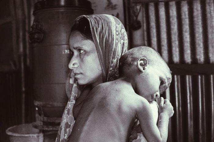 Bangladesh The Portraitist - 2015 EyeEm Awards Relationship Mother Child Girl Power Feel The Journey Original Experiences Showcase June worried num.