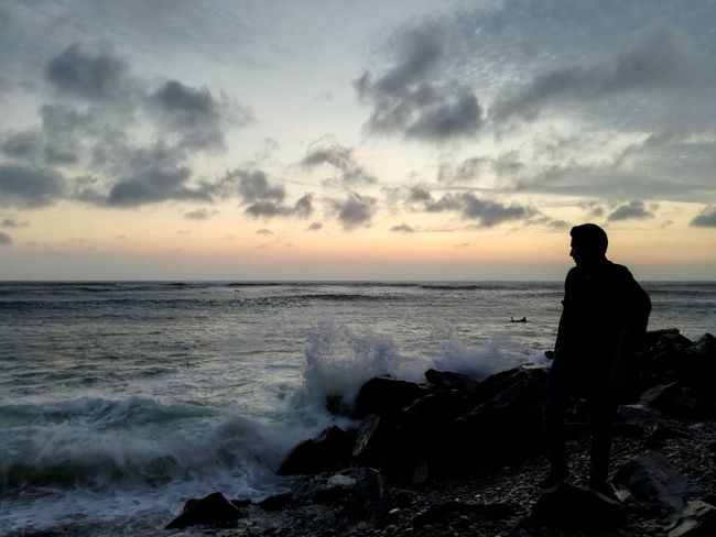 Beutiful  Portraid View Amazing Fashion Stories Beach Silhouette Sea Sunset One Person Horizon Over Water Cloud - Sky Scenics Beauty In Nature Tranquility Landscape
