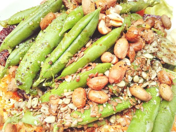 Green Peas Nuts Seeds Vegetables Vegetarian Lunch Close Up Raw Food Greens Green Salad Olive Oil Full Meal Healthy Healthy Eating