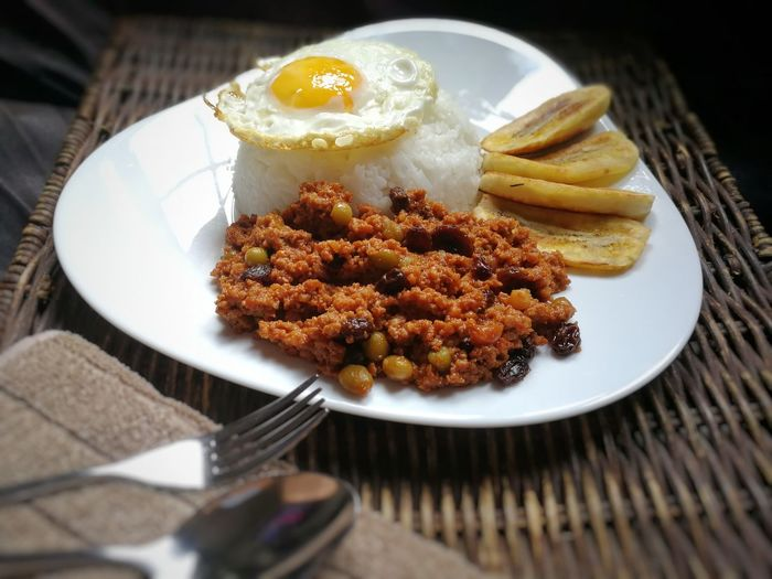 Ala Cubana Arroz Ala Cubana Spanish Filipino Dish Egg Banana Full Meal Beef Recipe Pork Recipe Home Cook Home Cooking Plate Food And Drink Food No People Fried Indoors  Ready-to-eat Freshness Close-up Healthy Eating