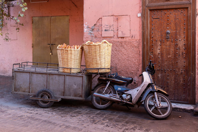 Basket Container Land Vehicle Transportation Built Structure Building Exterior Mode Of Transportation Architecture Day Wall - Building Feature Bicycle No People Wicker Bicycle Basket Outdoors Wood - Material Stationary Old City Stack
