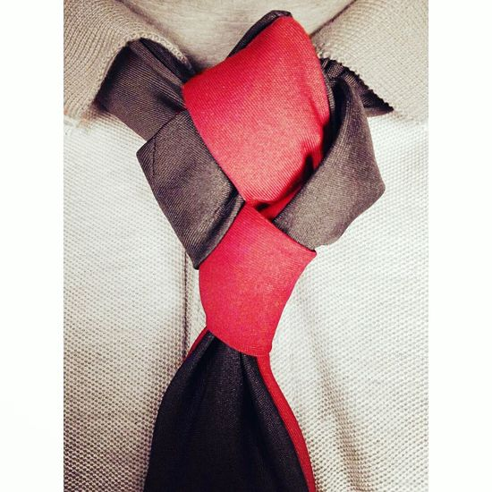 The Double Harley Quinn Knot Indoors  Tie Necktie Harley Quinn Knots Class Classy Gentlemen Mensfashion Menstyle Menstagram Menswear MensFashionPost Red Color Black Love Passion Dapper Dappermen Dapperstyle Mens Style Fashion