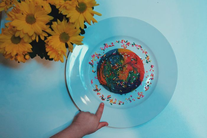 Plate Food Pancake Colorful Flowers Hand Human Hand Freshness Directly Above Ready-to-eat Table Serving Size Indoors  Sweet Food Breakfast EyeEm EyeEm Best Shots Popular Photos Check This Out Photo Photography Photooftheday Pointing Finger EyeEm Gallery