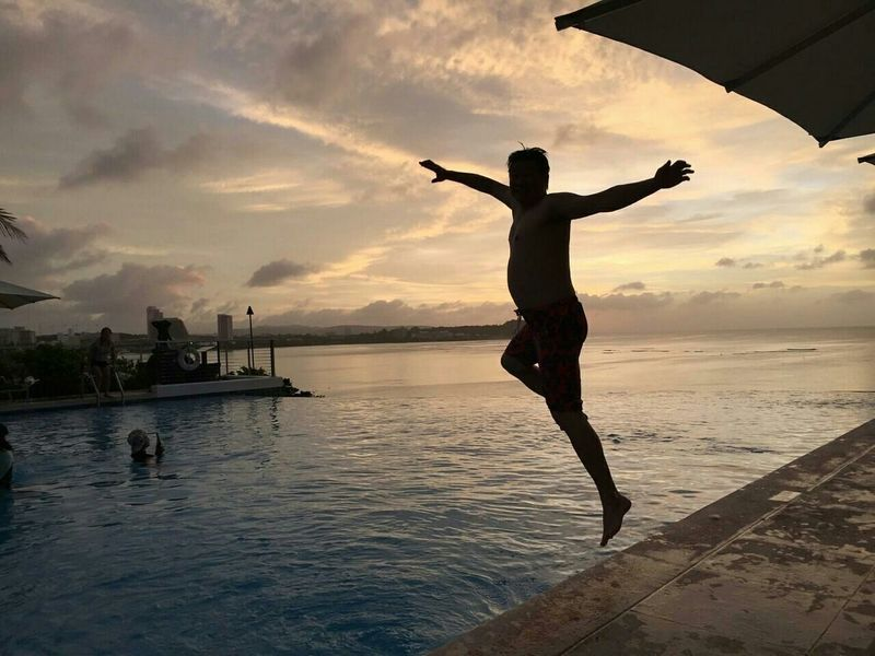 Enjoying Myself Looking For Myself Sunset Flying Pigs Guam Infinity Pool Happymoment Go For It Don'tLookBackInAnger..