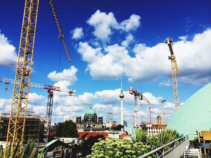 Berlin Tanz Der Baukrähne Berlin Ist Eine Baustelle Sky