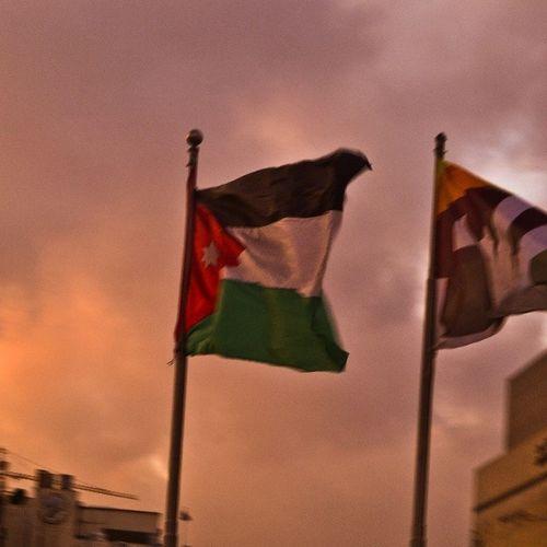 علم الاردن علم_الاردن غيوم عمان jordan flag jordan_flag clouds amman sky seeamman beamman spiritofjordan discoverjo