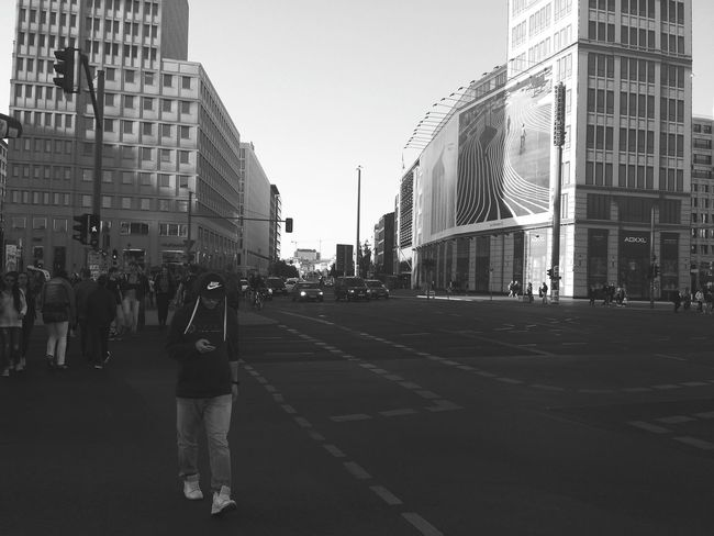 This city never sleeps... Streetphotography Traffic My Fuckin Berlin Berliner Ansichten Großstadtgeschichten Großstadtromantik Snapshots Of Life The Street Photographer - 2015 EyeEm Awards