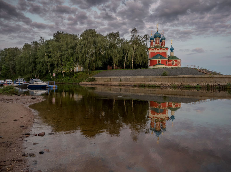 Russia, Uglich, Kremlin, Kremlin views Architecture Beauty In Nature Built Structure Cloud Cloud - Sky Cloudy Day Growth Idyllic Nature No People Outdoors Overcast Reflection Russia, Uglich, Kremlin, Kremlin Views Scenics Sky Standing Water Tourism Tranquil Scene Tranquility Travel Destinations Tree Water