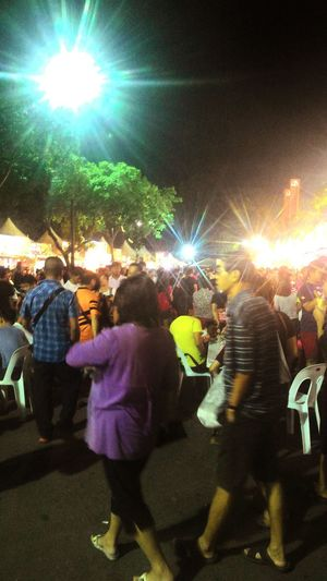 This is the crowd at the FoodFairCarnival Nightfair