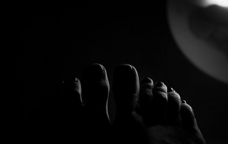 Portrait of the feet I. Feet Self Portrait Blackandwhite Black And White Bnwmood Bnw_life Notes From The Underground Feetselfie Feetish