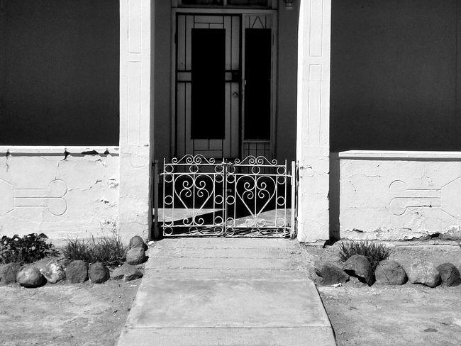 My deur staan altyd oop vir jou. Kleinkaroo Aberdeen Karoospaces Karoo Southafrica Blackandwhite Darkness And Light Landscape Light And Shadow Two Is Better Than One