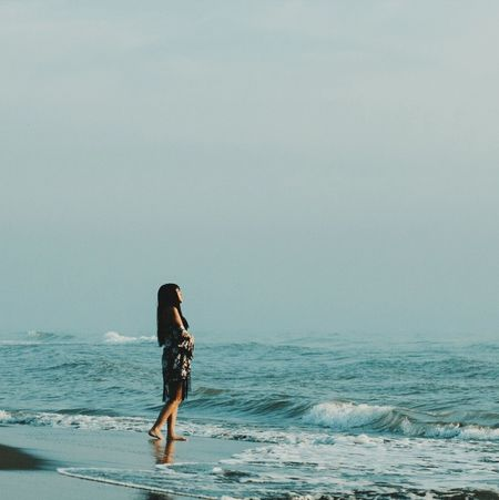 Soledad y el mar. 🌊📷❤️ One Person Full Length Only Women Adults Only People Walking One Woman Only Rear View Adult Sea Day Standing Leisure Activity Healthy Lifestyle Lifestyles Sport Water Outdoors Young Adult Beach The Week On EyeEm Lost In The Landscape Connected By Travel